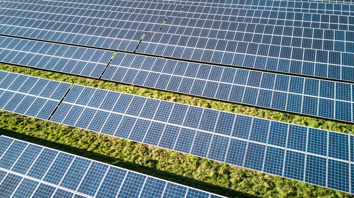 Comment fonctionne le marché de l'énergie renouvelable en France?