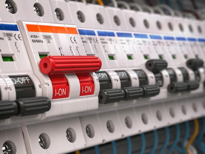 Utilité et fonctionnement du disjoncteur électrique