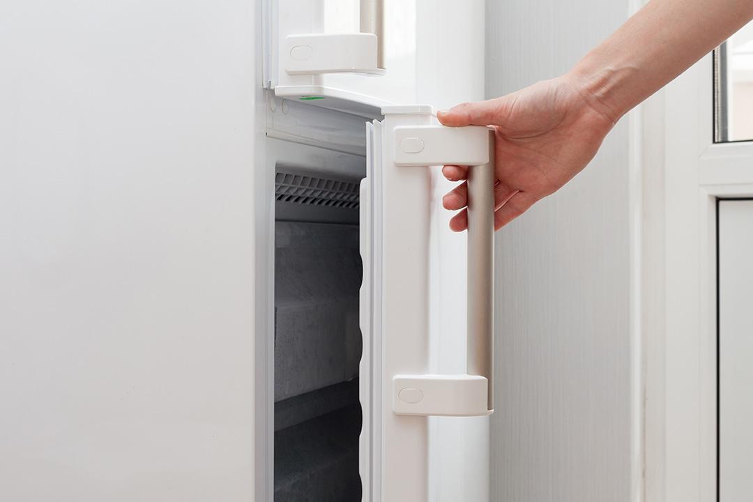 Les méfaits sur le réfrigérateur