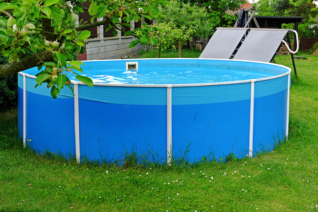 Les principaux avantages des panneaux solaires pour piscine