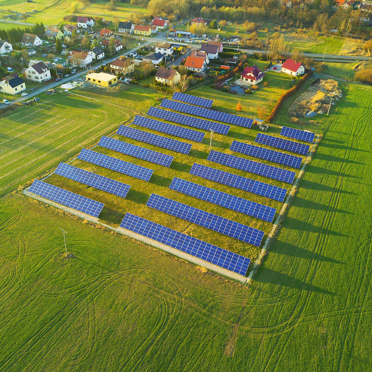 Centrales solaires et contrats d'achat, deux modèles économiques au fort potentiel